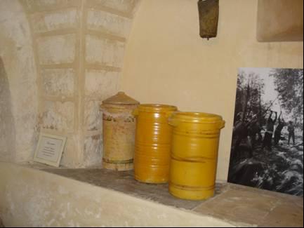 Tipici contenitori for Vasi terracotta usati