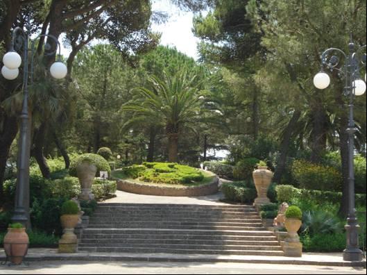 Villa comunale - Giardini di bacco caltagirone ...